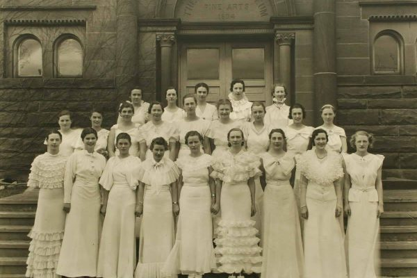 Mount Allison Ladies' College Graduates on the steps of the Owens in 1935