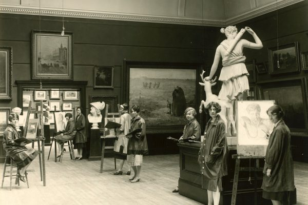 Students sketching statuary in the main gallery, The Owens Museum of Fine Arts, ca. 1926. Mount Allison University Archives, Phyllis H. Woods fonds